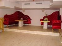 Дизайнерски  мебели за заведения